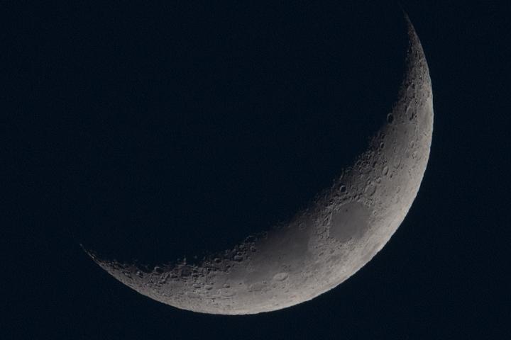 moon_160411_01.jpg